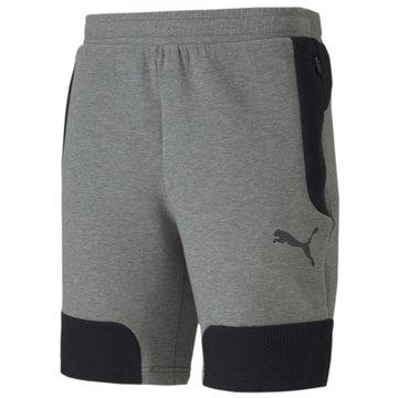 Puma kurze Sporthosen -