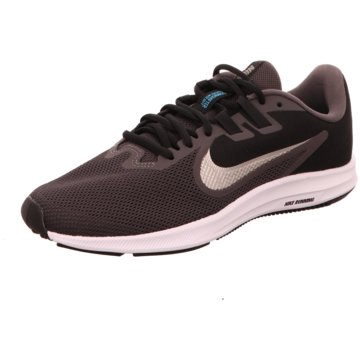 Nike Freizeitschuh grau