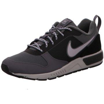 Nike Sneaker LowNightgazer Trail grau