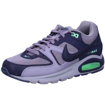 Nike Street LookAir Max Command -