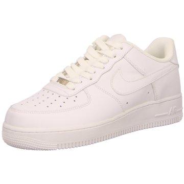 Nike Street LookAir Force 1 07 Sneaker weiß