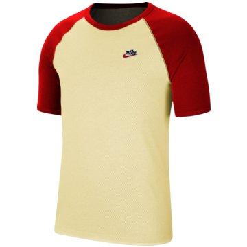 Nike T-ShirtsSportswear Heritage Reversible Tee -