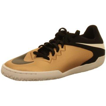 Nike Trainings- und Hallenschuh gold